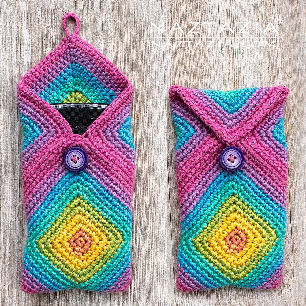 Free Crochet Chromatic Phone Case
