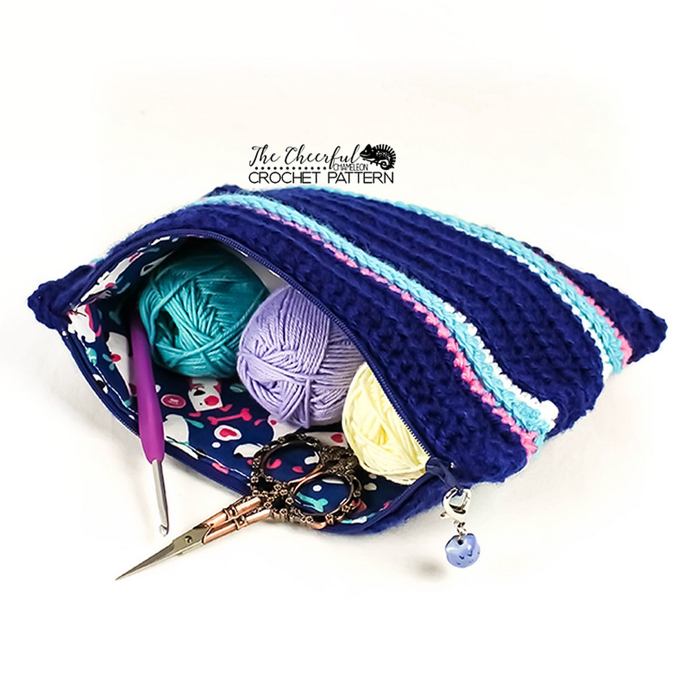 Free Crochet Mini Zippered Project Bag