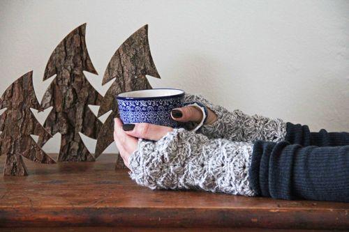 Chunky Fingerless Gloves Crochet Pattern