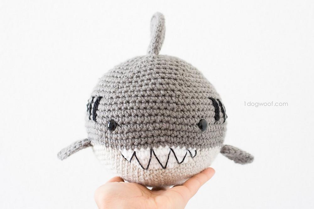 Free Crochet Bernard The Ball Shark Pattern