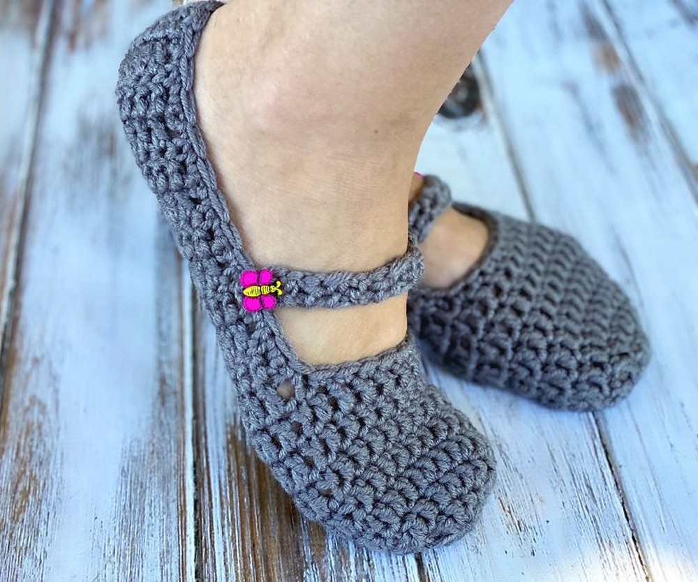 Free Crochet Chunky Button Slippers Pattern