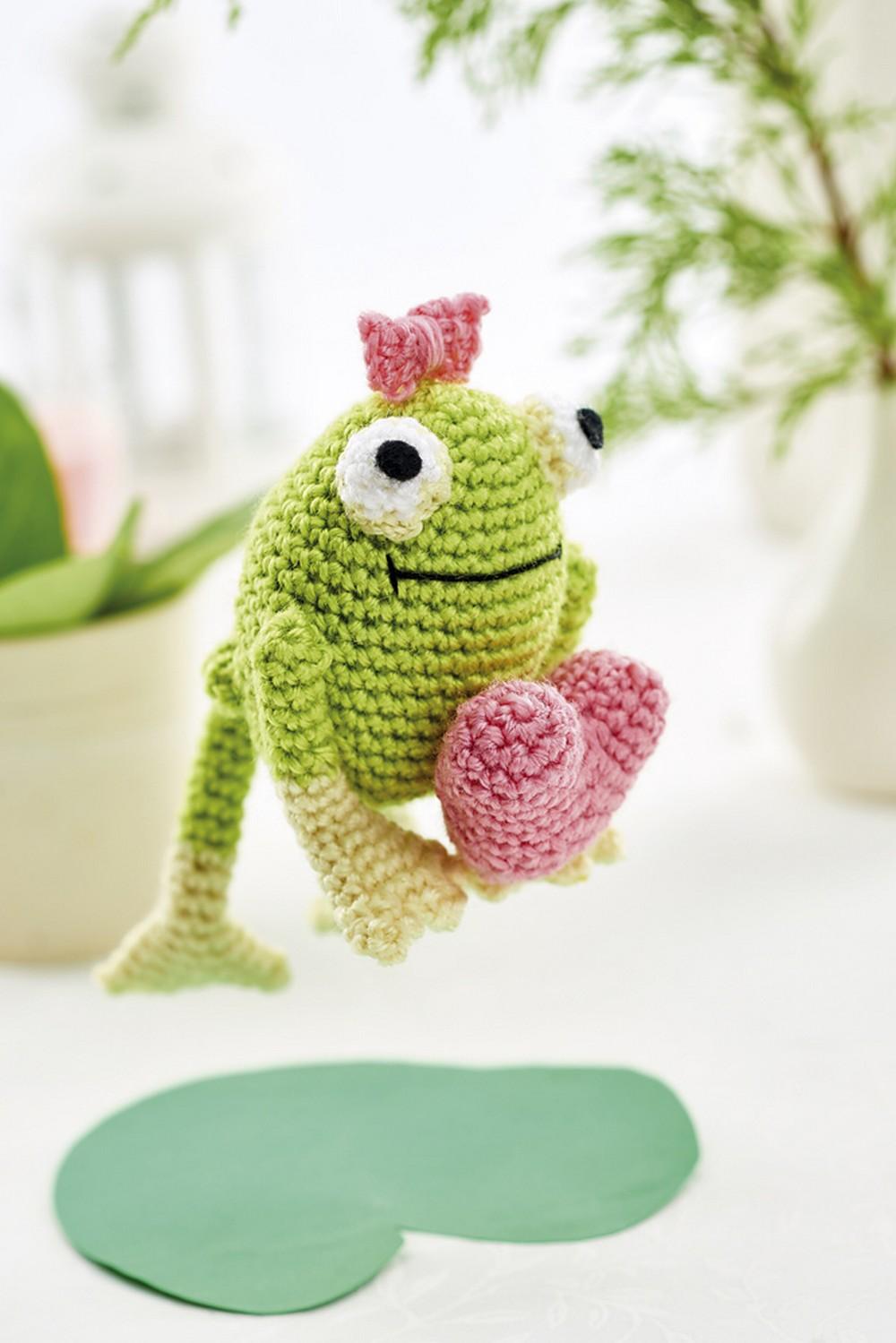 Free Crochet Esmerelda Frog