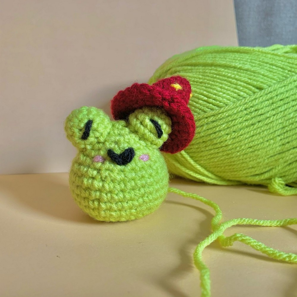 Free Crochet Wizard Frog