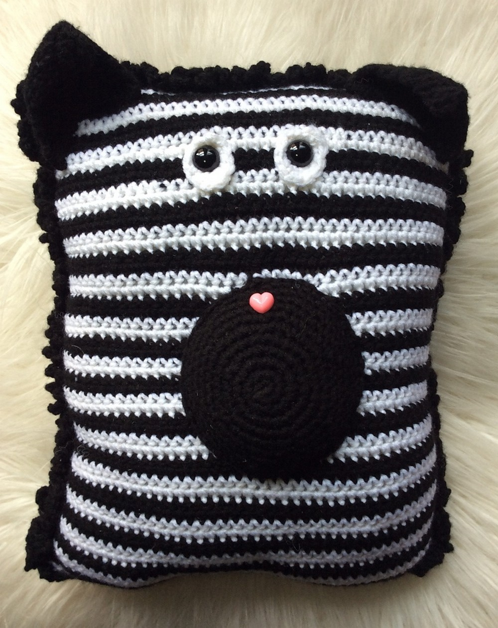 Free Crochet Zebra Pocket Pillow