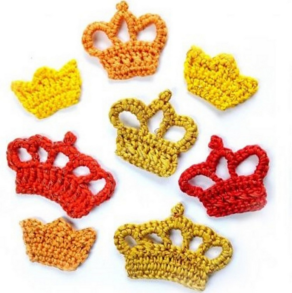Free Crochet 2 Crown Appliques Pattern