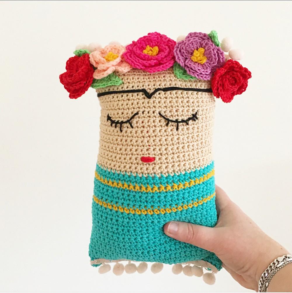 Free Crochet Frida Cushion Pattern