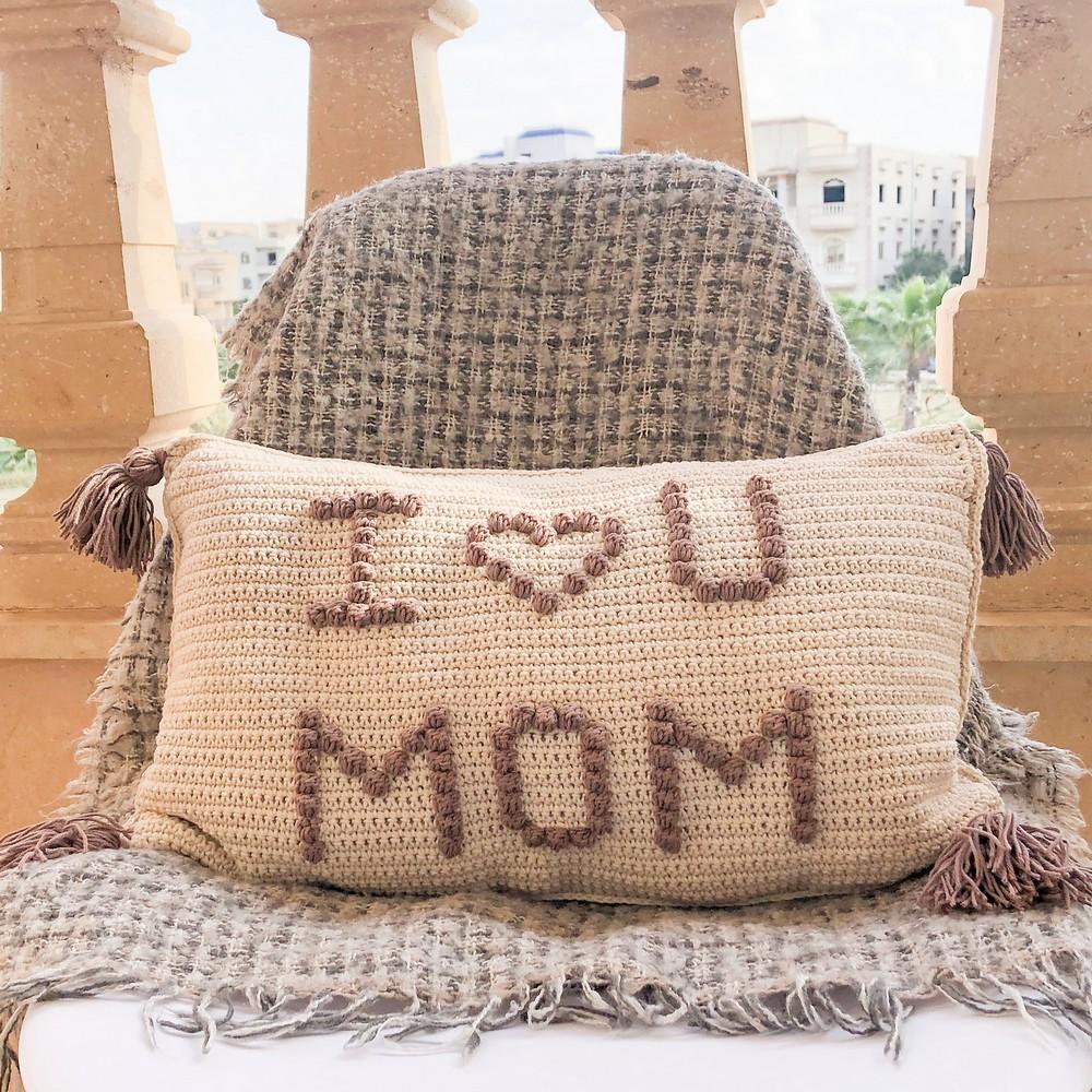 Free Crochet I Love You Mom Cushion Pattern