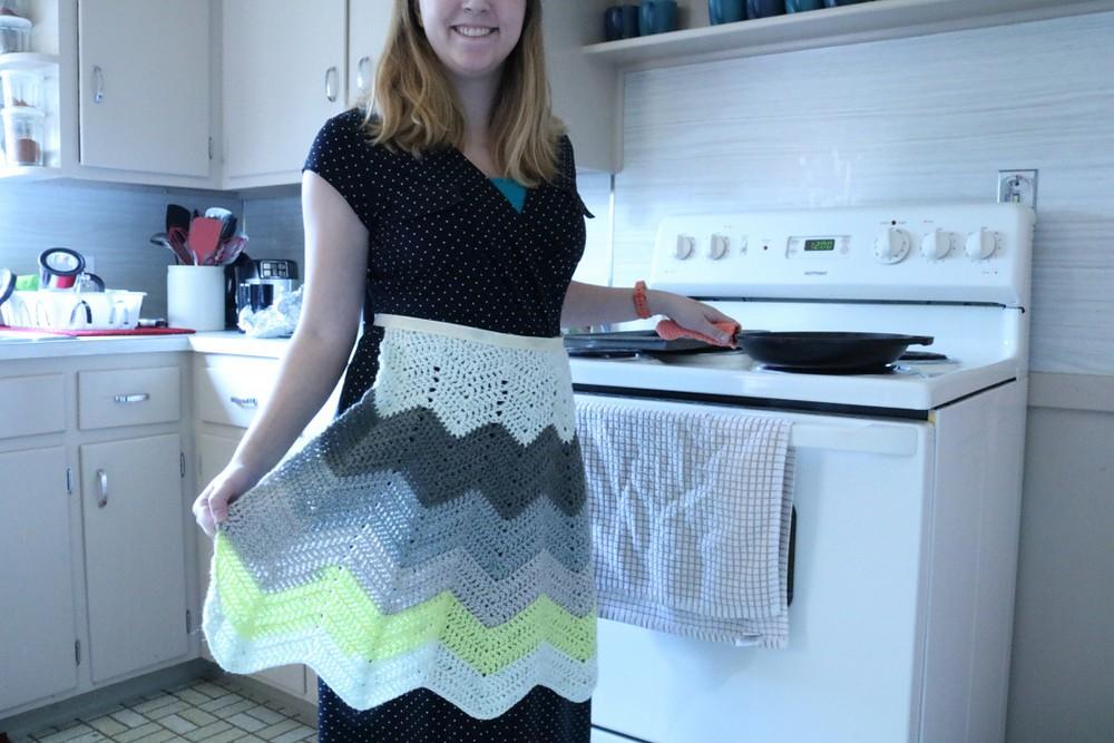 Free Crochet Vintage Inspired Apron Pattern