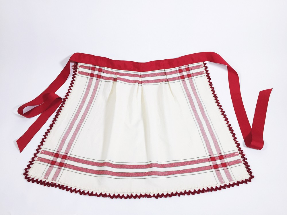 Free Crochet Vintage Touches Apron Pattern