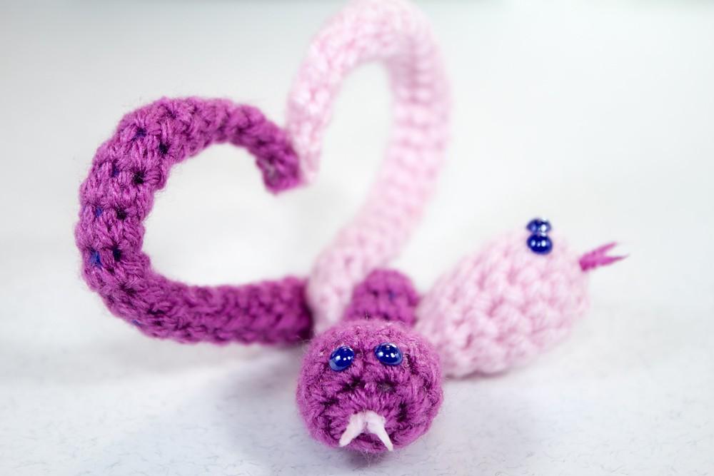 Free Crochet Snakes Heart pattern