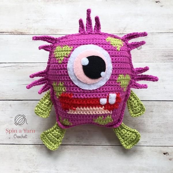 Free Crochet Blinky Love Monster Pattern