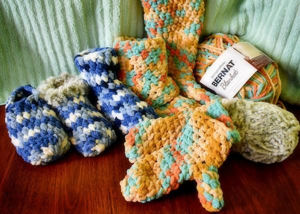 Free Crochet Bulky Slipper And Mittens Pattern