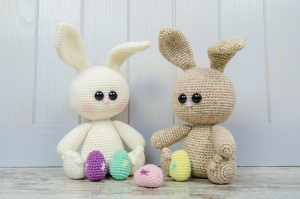 Free Crochet Denis The Easter Bunny Ami Pattern