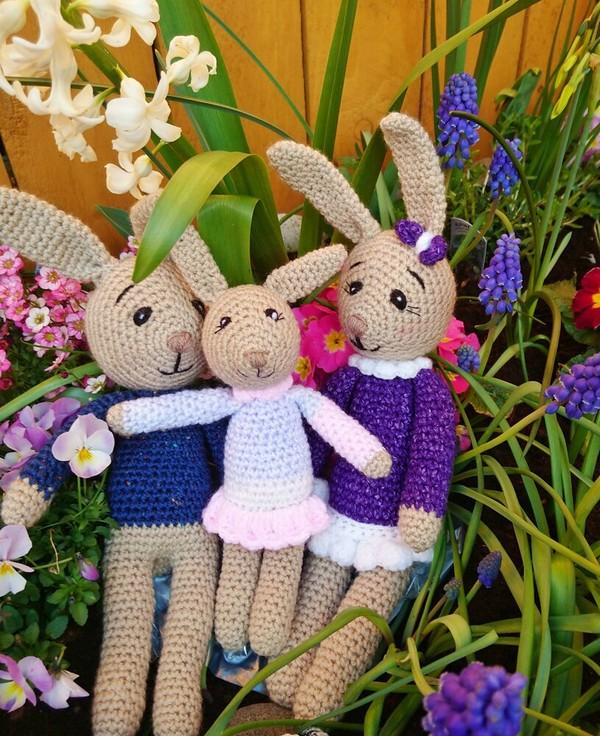 Free Crochet Rabbit Family Pattern
