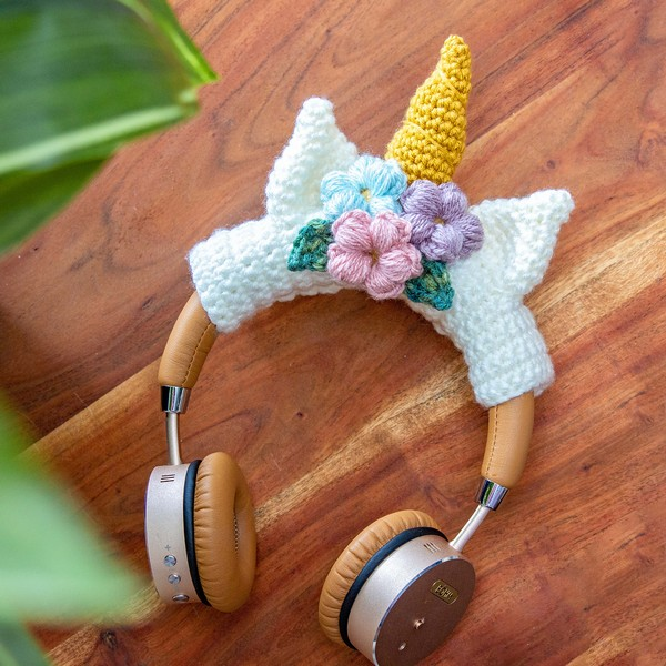 Free Crochet Unicorn Headphone Wrap Pattern