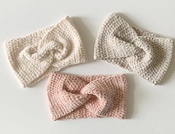 Easy Crochet Velvet Twist Headband Pattern