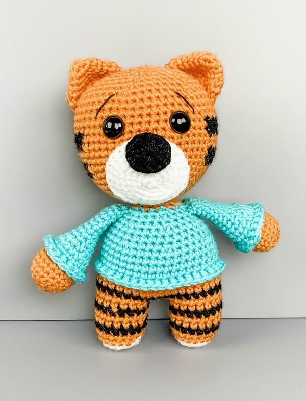 The Friendly Tiger In A Sweater Crochet Pattern